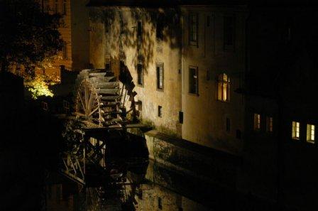 Пражская мельница в ночное время