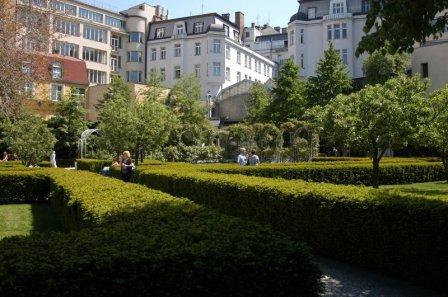Покой и гармония сада в самом сердце Праги