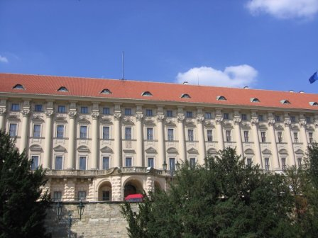 Чернинский дворец рядом с Лоретто