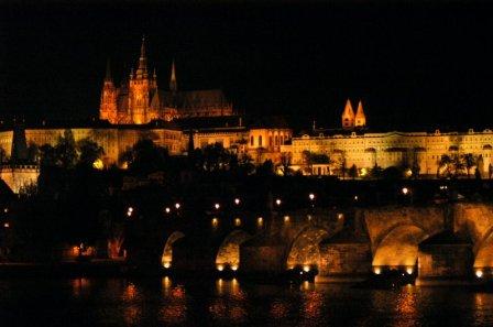 Карлов мост ночью
