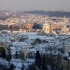 Градчаны и Старый город охватывает снег