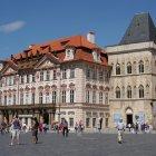 Дворец Кински и Дом Каменного Колокола на Староместской площади