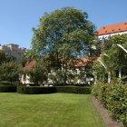Францисканский сад в центре Праги