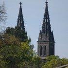 Нео-готические башни-блинецы собора св. Петра и Павла