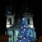Рождественская елка у храма Девы Марии перед Тыном