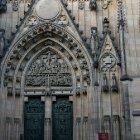 Главный вход в собор Св. Вита