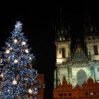 Две главных достопримечательности Староместской под Рождество