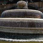Фонтан возле Национального музея Праги во всей красоте