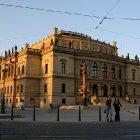 Здание пражской филармонии