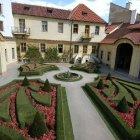 Внутренний двор садов под Пражским Градом