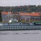 Ботель Адмирал на правом берегу Влтавы