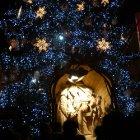 Рождественские ясли перед елкой в Праге