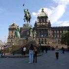 Статуя Святого Вацлава перед Национальным музеем