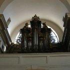 Орган в церкви Девы Марии Торжествующей