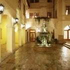 Двор Отеля Alchymist