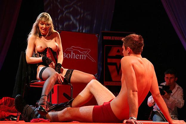 Эротическая жизнь свингеров в праге чехии